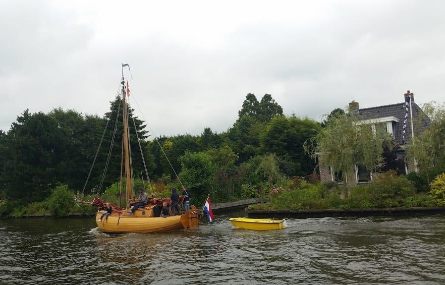 סירת מפרש בסגנון של פעם