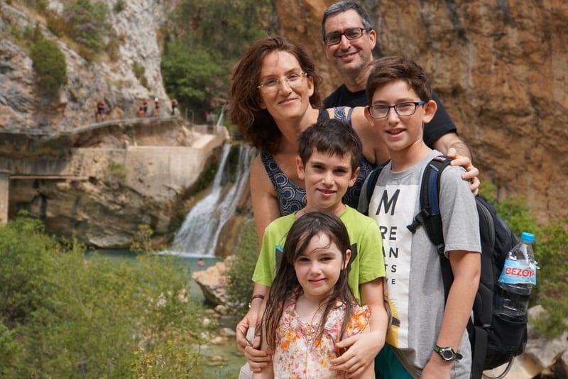 המשפחה המטיילת בברצלונה והפירנאים