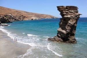 יוון עם ילדים חוף ים