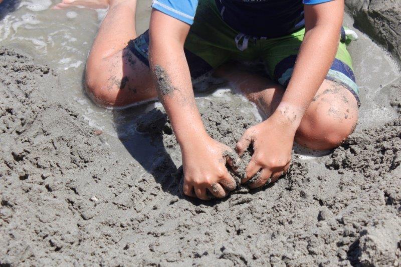 יוון עם ילדים חוף