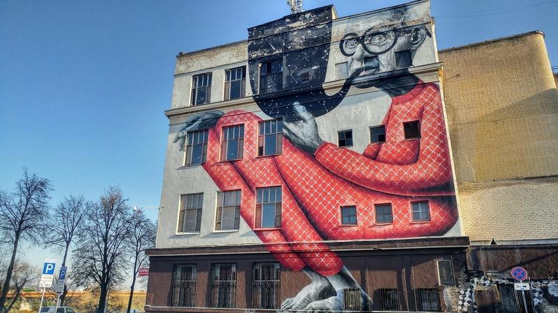 ציור הקיר הכי מפורסם בעיר The wise old man of Kaunas