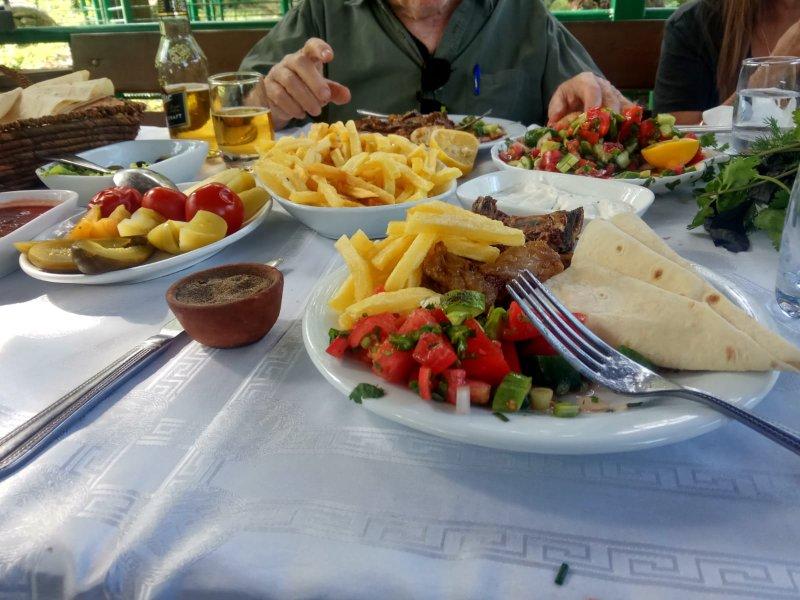 טיול בקווקז ארוחה קווקזית