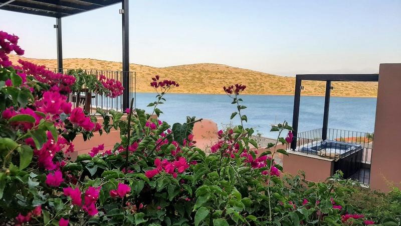 חופשה זוגית בכרתים - נופש ב Domes of Elounda